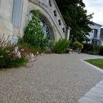 Allée : calcaire / pavés pierre