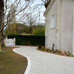 Allé grise nuancée : pavés pierre reconstituée / béton socatts
